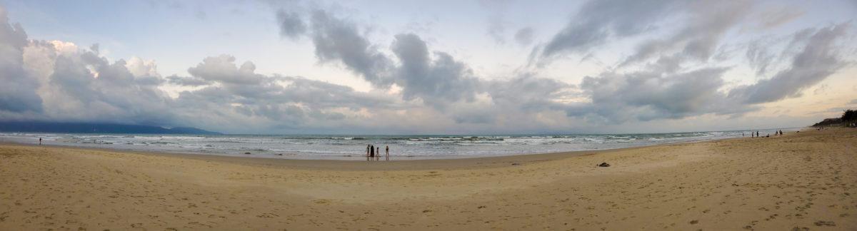 HYATT_REGENCY_Danang_Resort&Spa_Private-Beach