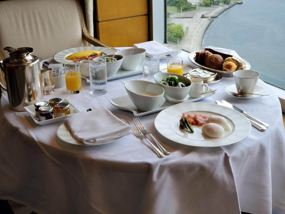 yokohama-grand-intercontinental_royal-suite_inroom-dining